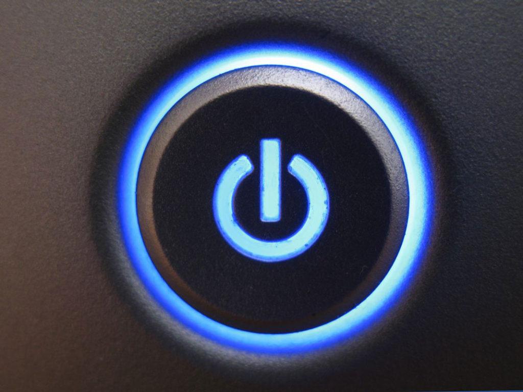 Как включить компьютер без кнопки